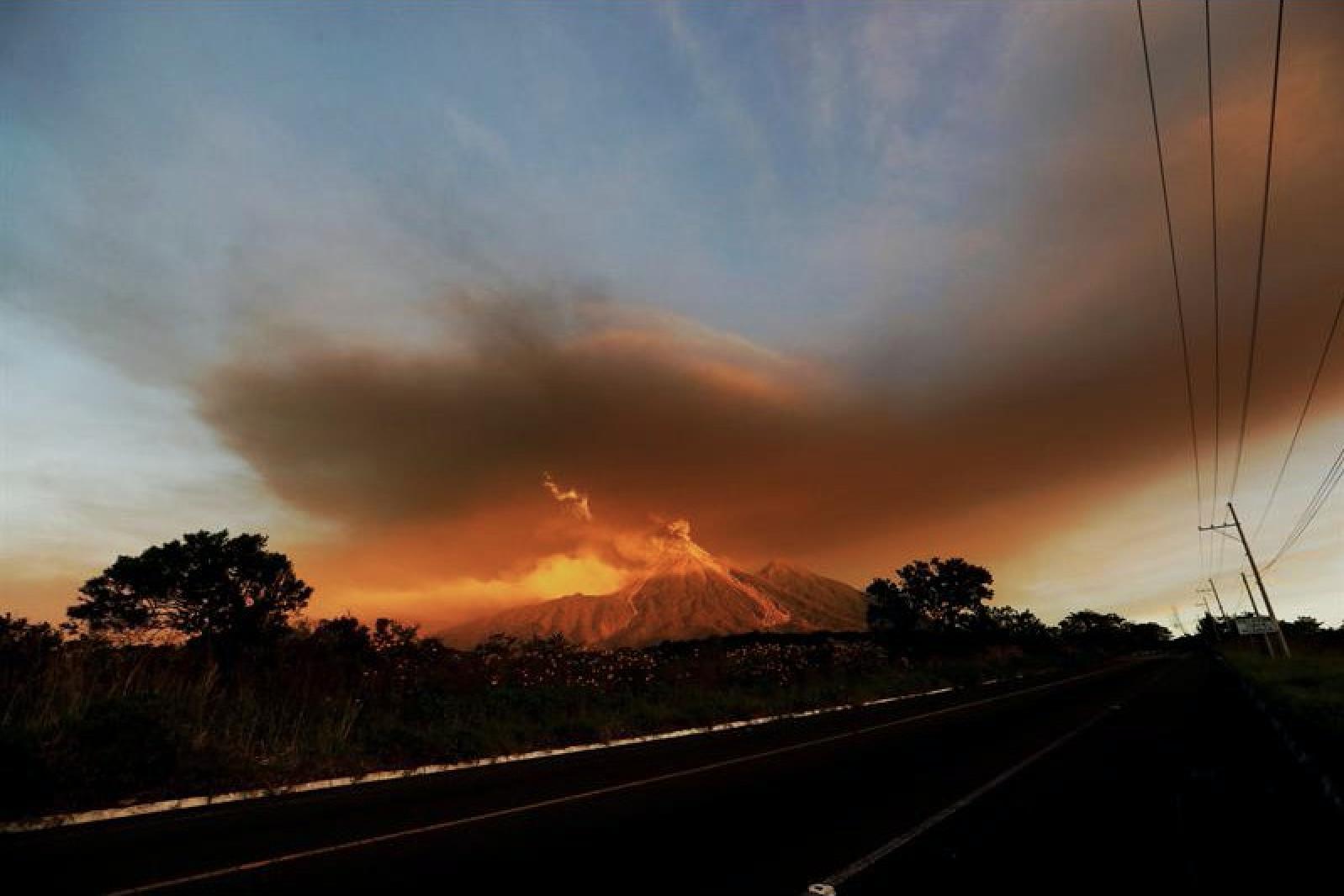 erupcion del volcan de fuego reportaje anne fornier