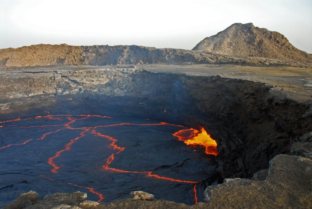el lago de lava del erta ale